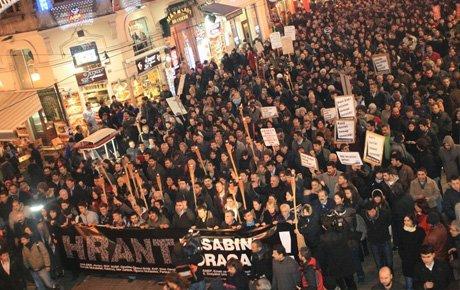 Hrant'ın arkadaşları meşalelerle yürüdüler