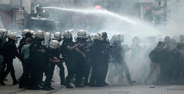İHD Taksim yasağı için AYM'ye başvurdu