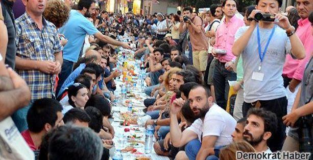Antikapitalist Müslümanlar, ilk iftar için yeryüzü sofrasına çağırıyor