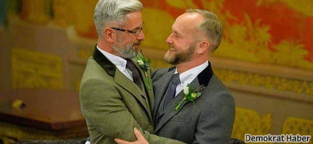 İngiltere'de eşcinsel evlilikler artık serbest