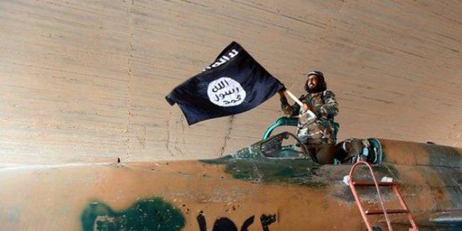 Irak: ABD IŞİD'e yardım ediyor; IŞİD'e silah taşıyan iki İngiliz uçağını vurduk