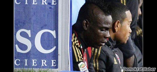 Irkçılık Balotelli'yi ağlattı
