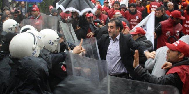 İşçi kıyımına karşı yürüyen işçilere polis saldırısı