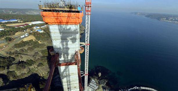 İşçiler eylemde, 3. Köprü'de inşaat durdu!