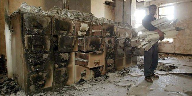 IŞİD, binlerce el yazması ve kitabın bulunduğu Musul Kütüphanesi'ni yaktı!