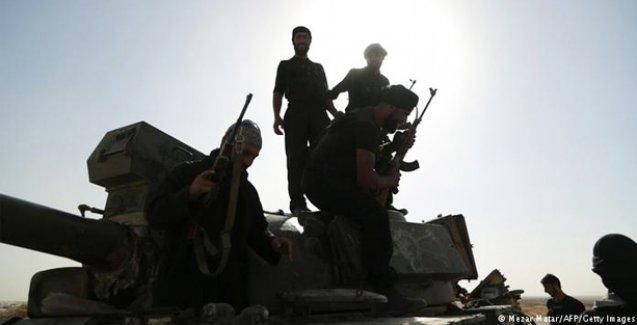 IŞİD ilerliyor: Suriye-Irak arasındaki son sınır kapsını da ele geçirdi
