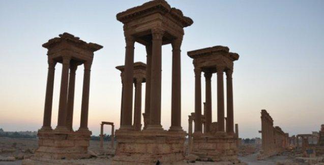 'IŞİD Palmyra'da çoğu kadın ve çocuk 400 sivili öldürdü'