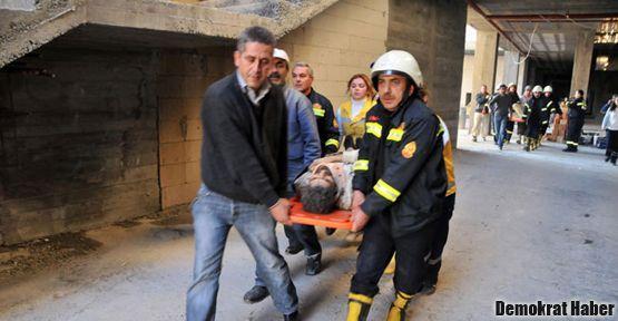 İskele çöktü: 7 işçi yaralandı