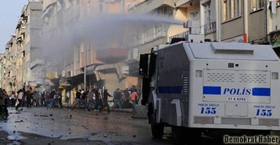 İstanbul'da polis eve de gaz bombası attı