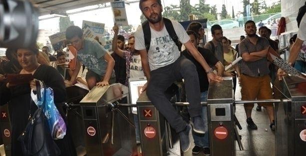 İstanbul'da ulaşım zammına protesto