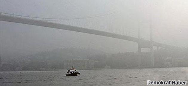 İstanbul'daki sis nedeniyle iki tekne çarpıştı