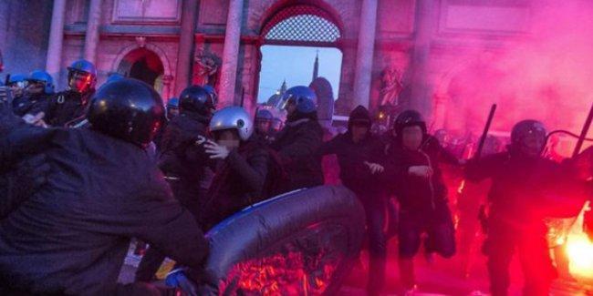 İtalya'da göçmen karşıtı sağcılar ile anti-faşistler meydanlarda