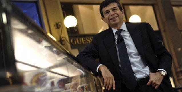 İtalya'da kol saatli yolsuzluk skandalında adı geçen bakan istifa etti