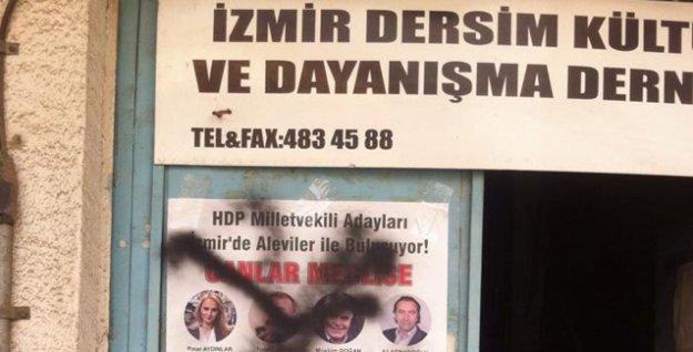 İzmir'de Alevi Derneği'nin kapısına 'çarpı' işareti konuldu!