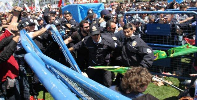 İzmir'deki 1 Mayıs kutlamasında HDP'lilere polis saldırısı!