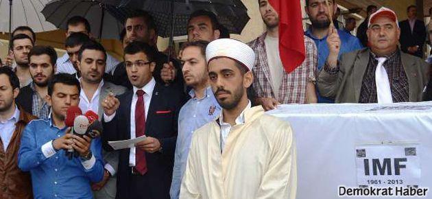 İzmir'de AKP'liler 'IMF namazı' kıldı