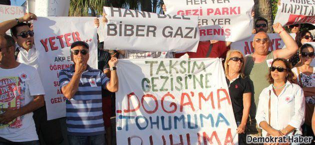 İzmir'deki 'Gezi' eylemi sürüyor