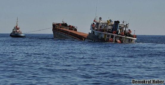 Kaçak göçmenleri taşıyan gemi battı: 20 ölü