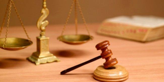 Kadına şiddette 'adalet terazisi' : Eşini bıçaklayan adama beş ay, bıçağı eline alan kadına iki yıl hapis