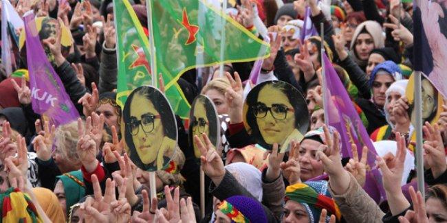 Kadınlar Kadıköy'den taleplerini sıraladı: Yaşamın her alanında eşit temsliyet tanınsın!