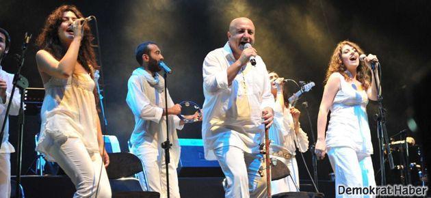 Kardeş Türküler'den 20. Yıl konseri