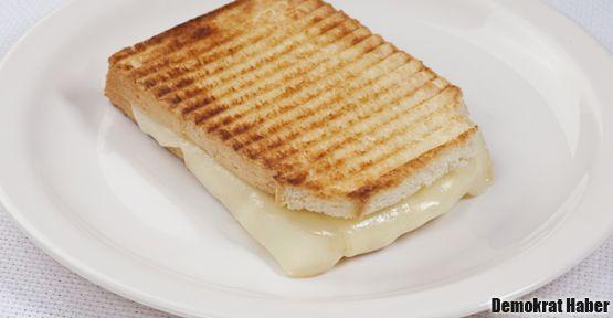 Kaşarlı tostun cezbeden sırrı