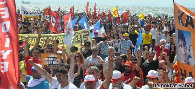 KESK'in İzmir'deki grevi kentte hayatı durdurdu