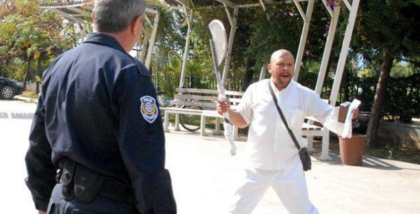 Kılıçlı saldırgan, bu kez baltayla IŞİD'e katılma çağrısı yaptı