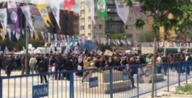 Kırşehir'de HDP mitingi sonrası taşlı saldırı