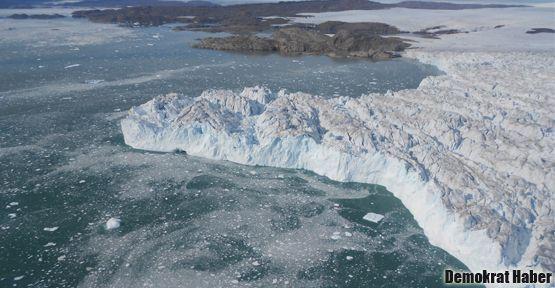 Kopan buzdağı hızla yaklaşıyor