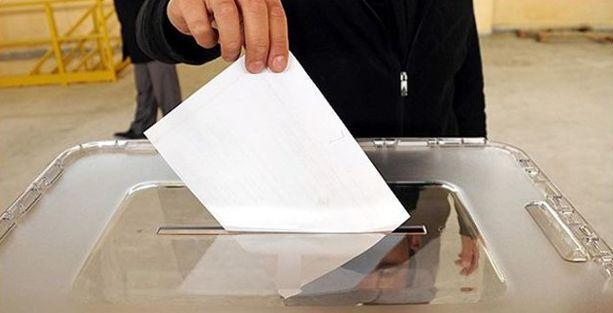 Kullandığı oy pusulasının fotoğrafını çekti, gözaltına alındı