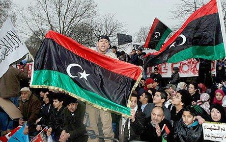 Libya'da isyan büyüyor...