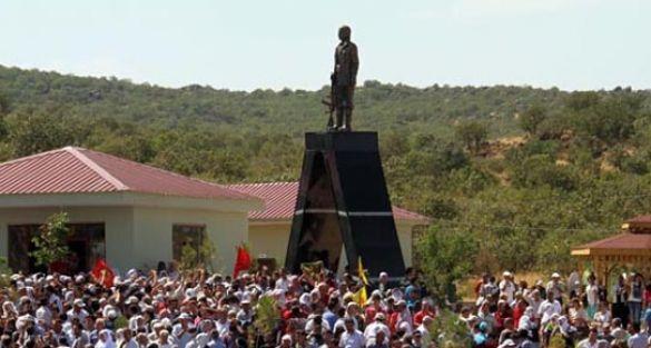 'Lice'deki heykel 8 ay önce dikildi'