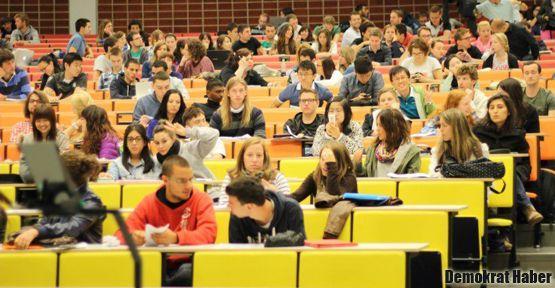 Liseliler üniversitelerde derse girebilecek