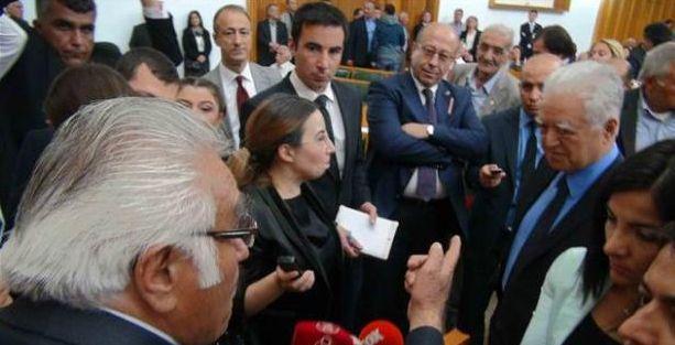 Loğoğlu'na mecliste Feyzioğlu protestosu