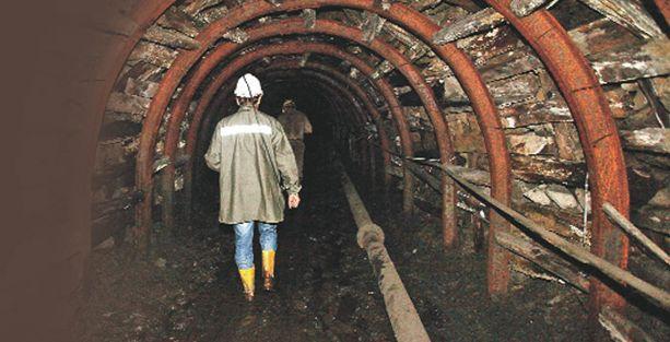 Maden işçilerine gerçek tatbikat yerine tatbikat filmi izletilmiş