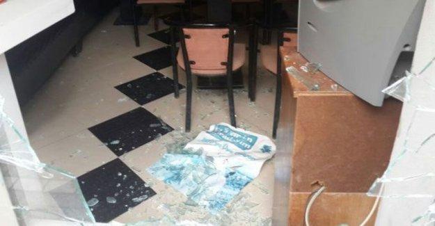Manisa'da HDP binasına saldırı