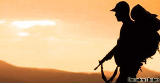 Mayına bastı denilen asker alnından vurulmuş
