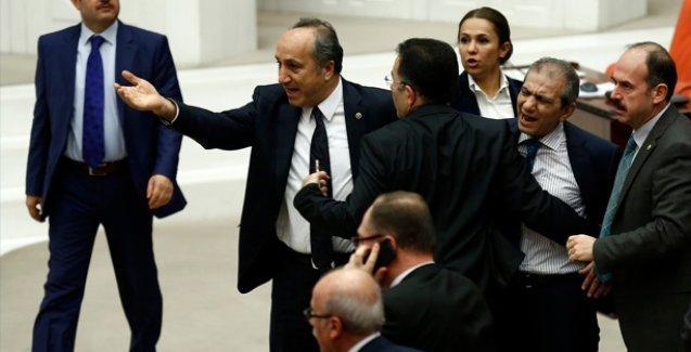 Meclis'te gerginlik: AKP ile CHP'li milletvekilleri arasında sert tartışma