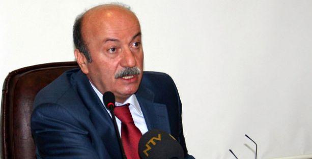 Bekaroğlu: AKP, Yalçın Akdoğan'ın saçmaladığını söylemeli