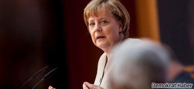 Merkel, AB'ye 'imtiyazlı ortaklığa' da karşı