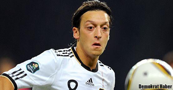Mesut Özil milli takımdan atılıyor mu?