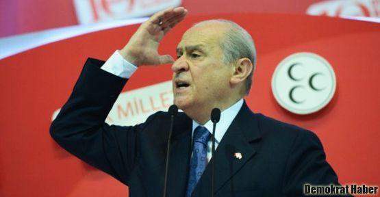 MHP'lilerden Bahçeli'ye tepki: Kıyım yapıyor