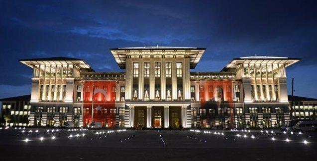 Mimarlar Odası: Ak Saray'da kullanılan cam mozaiklerin metrekaresi 1000 Euro'dan başlıyor