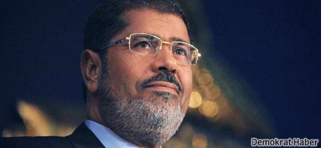Mısır ordusu Mursi'ye 'Türkiye'ye git' demiş