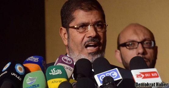 Mursi'den yargı ve askere selam
