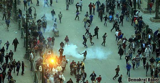 Mısır'da Mursi'ye öfke dinmiyor