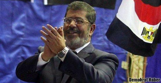 Mısır'da Müslüman Kardeşler kazandı