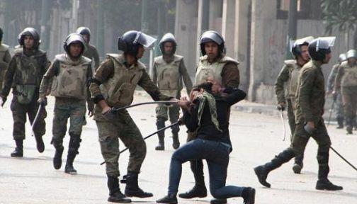 Mısır'da polis şiddetine devam