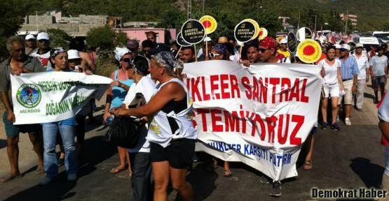 Nükleer karşıtları Büyükeceli'de yol kapattı